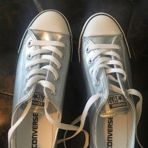 Converse Shoes - NWOT: Converse shoes (women's 7)